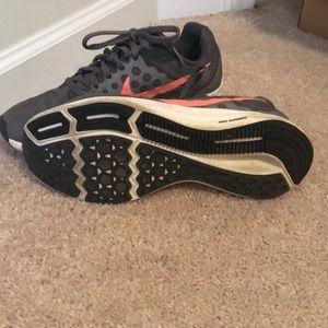 Nike Shoes - Nike Running shoes gently worn